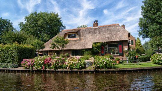 Det kan godt betale sig at låne til bæredygtige hus-forbedringer